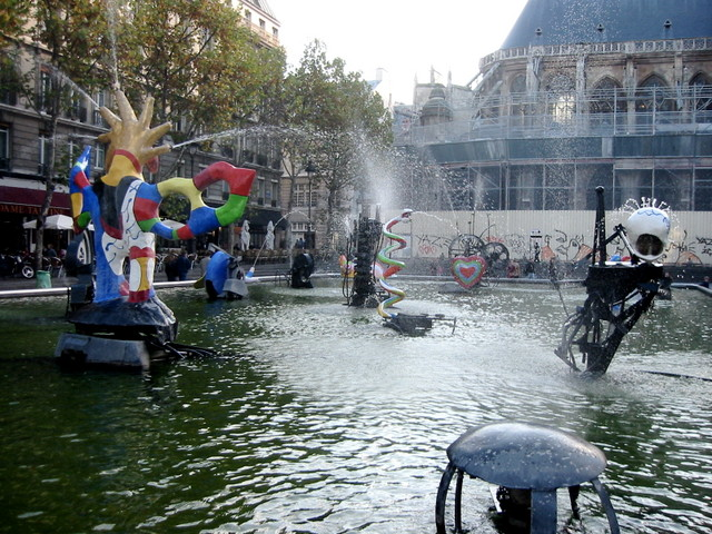 Fountains in front of the Pompidou